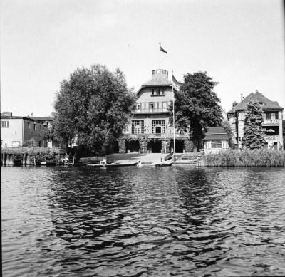 Clubhaus Friedrichshagen von der Müggelspree aus, Bild 1; Foto, 1949