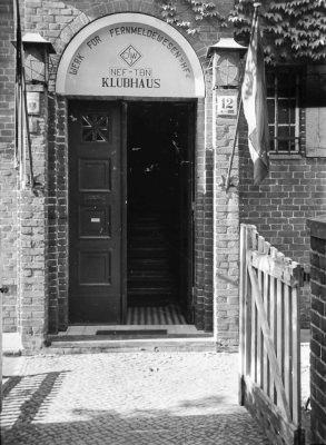 Clubhaus Friedrichshagen, Eingang von der Straßenseite aus; Foto, 1949