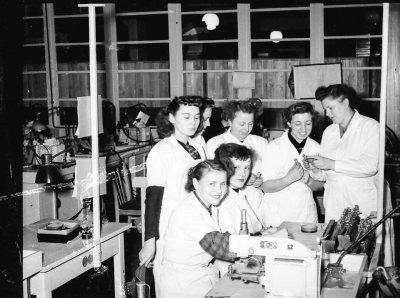 Unterweisung von Kolleginnen; Foto, 1953