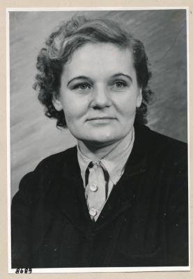 Frau Puls, Gitterwickelei ; Foto, 1953