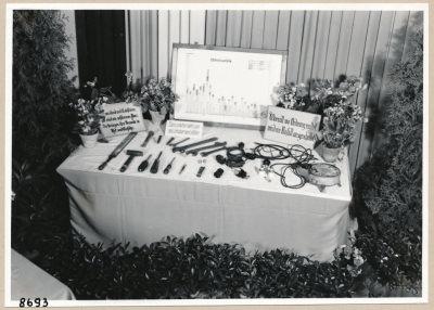 Ausstellung (Unfallverhütung), Bild 4; Foto, 1953
