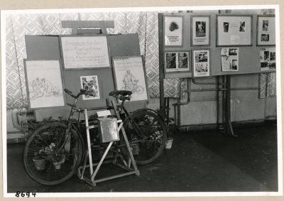 Ausstellung (Unfallverhütung), Bild 5; Foto, 1953