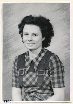 Best. Frau Seeberger aus dem Röhrenaufbau, Portrait; Foto, 1953