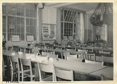 Arbeitsschutzausstellung im HF-Speisesaal 6, Foto 1954