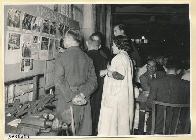Arbeitsschutzausstellung im HF-Speisesaal 16, Foto 1954