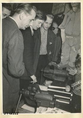 Arbeitsschutzausstellung im HF-Speisesaal 17, Foto 1954