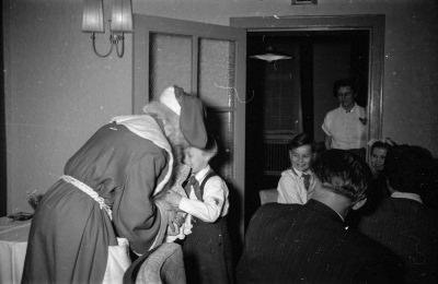 Kinderweihnachtsfeier - Weihnachtsmann, Foto 1954