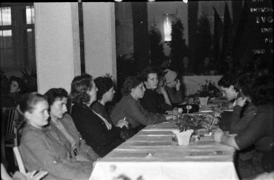 Frauenkonferenz, Bild 4; Foto, 1954