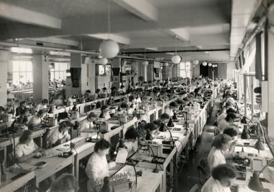 Röhren-Aufbau, Bild 1, Foto 1954