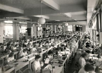 Röhren-Aufbau, Bild 2, Foto 1954