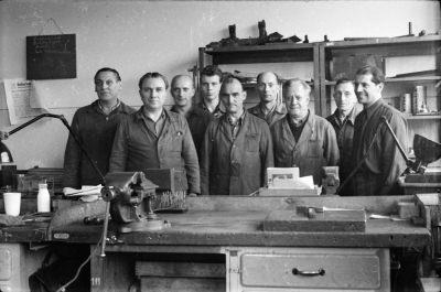 Gruppenfoto Brigade mit 9 Arbeitern, Foto 1955