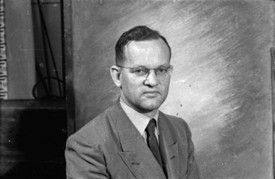 Passfoto Dr. Ladurner; Foto, Oktober 1955