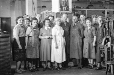 Kollege Franke, Gruppenfoto Stanzerei, Foto 1955