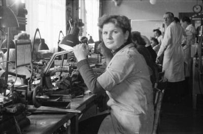 Jutta Kindlein am Arbeitsplatz, Foto 1955