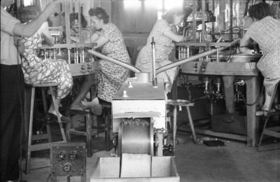 5 Frauen am Arbeitsplatz, Foto 1955