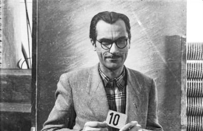 Portrait Dienstausweis, Mann mit Kartennummer 10., Foto 1955