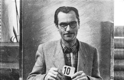 Portrait Dienstausweis, Mann mit Kartennummer 10, Bild 2, Foto 1955