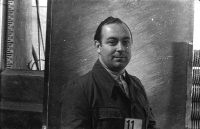 Portrait Dienstausweis, Mann mit Kartennummer 11, Foto 1955