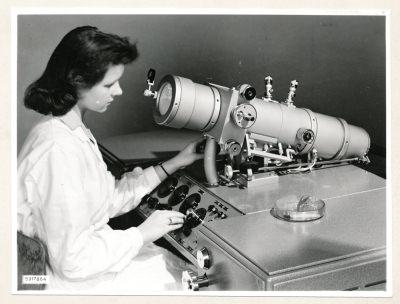 Klein-Elektronenmikroskop KEM1, Bild 17, Foto 1959