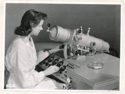 Klein-Elektronenmikroskop KEM1, Bild 20, Foto 1959