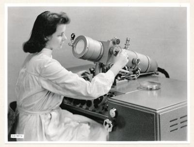 Klein-Elektronenmikroskop KEM1, Bild 23, Foto 1959