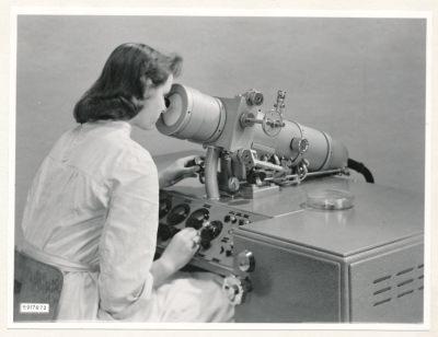 Klein-Elektronenmikroskop KEM1, Bild 25, Foto 1959