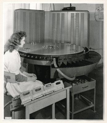 Röhrenprüfautomat, Bild 1, Foto 1959