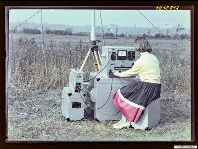 Feldstärkenmesser FSM 1+2 auf Feld, Bild 3, Foto 1959