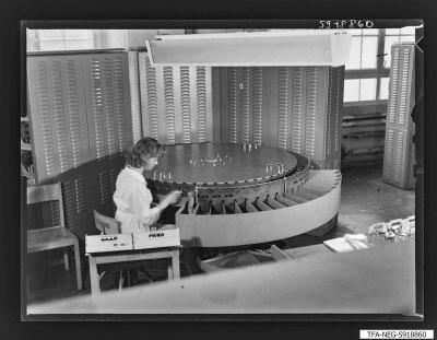 Miniaturröhren - Prüfkarussel, Foto 1959