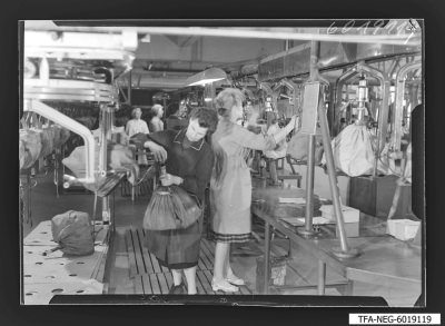 Sockeln der Bildröhren, Bild 6, Foto 1960