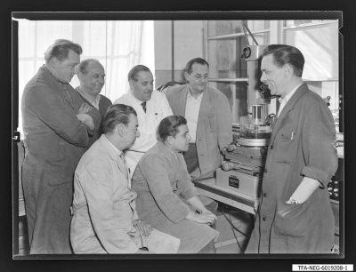 Brigade Hartmetall (Werkzeugbau), 7 Mitglieder, Foto 1960