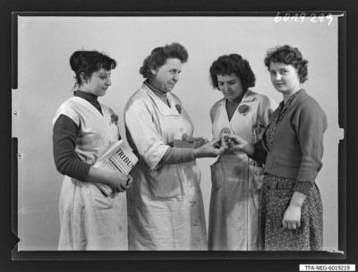 Brigade [?] 1. Mai, 4 Frauen, Foto 1960