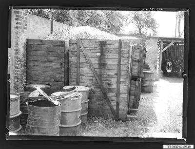 Röhrenschrotthaufen, Foto 1960