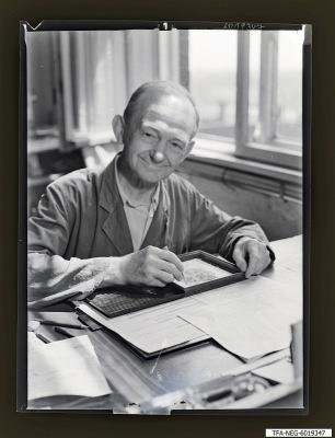 Otto Kuschel am Arbeitsplatz, Foto 1960
