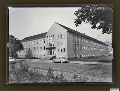 Poliklinik Oberspree, Frontansicht, Foto 1961