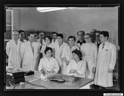 Arbeitsgemeinschaft Schmidt-Nullmeier (Diode), 16 Personen, Foto 1961