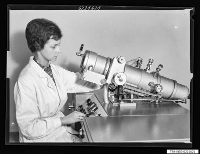 Elektronenmikroskop KEM 1-1, Bild 1; Foto 1962