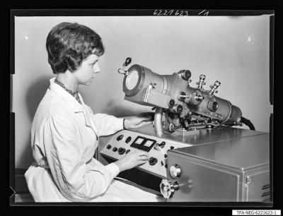 Elektronenmikroskop KEM 1-1, Bild 1; Foto 1964
