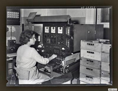 Prüftisch für Empfänger-Röhre (alte Technologie), Foto 1964