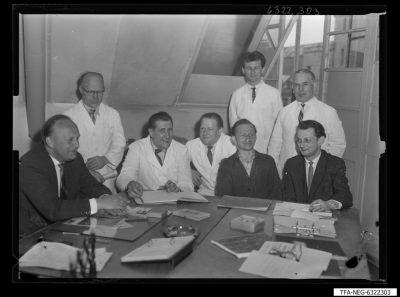 Sozialistische Arbeitsgemeinschaft, Verkettungsgemeinschaft Bildröhre; Foto 1963