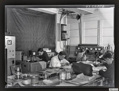 Mitabeiter im Senderöhre-Labor 1, Foto 1963