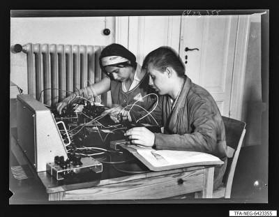 Lehrwerkstatt Alt-Stralau, Bild 1, Foto 1964