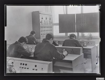 MMM-Elektro-Lehrwerkstatt, Szene 2, Foto 1967