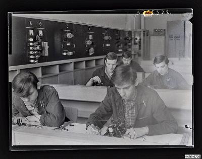 MMM-Elektro-Lehrwerkstatt, Szene 3, Foto 1967