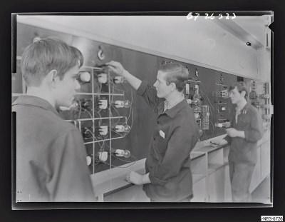 MMM-Elektro-Lehrwerkstatt, Szene 4, Foto 1967