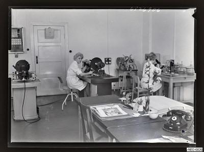 Zwei Frauen im Büro, Foto 1968