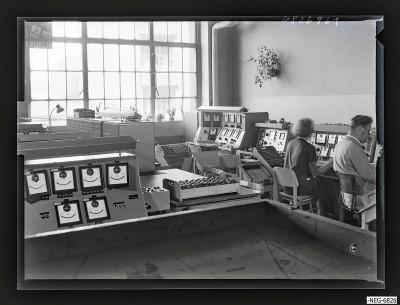 Gütekontrolleure bei der Arbeit 2, Foto 1968