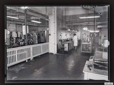 Arbeit im Systemaufbau Bildröhre 3, Foto 1968