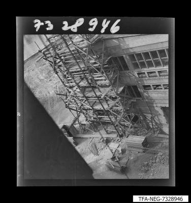 Baugerüst von oben im Innenhof des WF-Geländes, Foto 1973