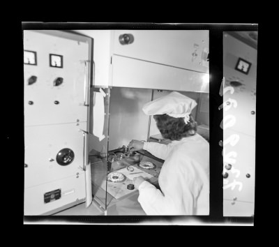 Montage der Epitaxie-Planar-Diode 5, Foto Juni 1973